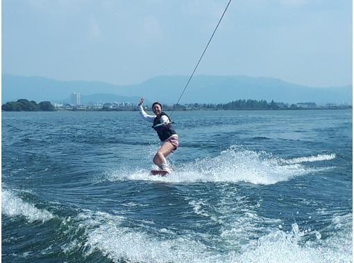 [Shiga ·Biwa lake· Wakeboarding For experienced users! Free towing (15 minutes x 1 set)の紹介画像