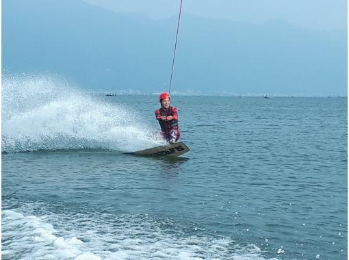 【滋賀・琵琶湖・ウェイクボード】経験者はこちらのフリートーイング(約10分×2セット)になります。久しぶりの方!楽しい感じで終わりたい方向け