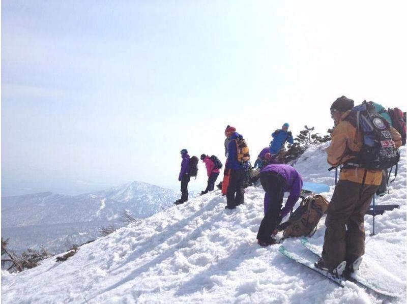 【八甲田山で樹氷の間をパウダーラン!】バックカントリツアー【半日コース】の紹介画像