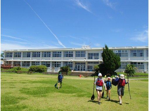 【鹿児島県・鹿屋市】 ユクサおおすみ海の学校でSUP体験ツアー! 初心者大歓迎!の紹介画像
