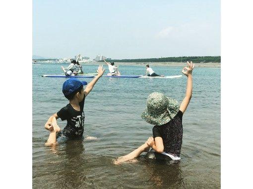 [神奈川县/湘南市]中继器一个接一个!!受欢迎的SUP瑜伽☆在茅崎的SUP体验の紹介画像