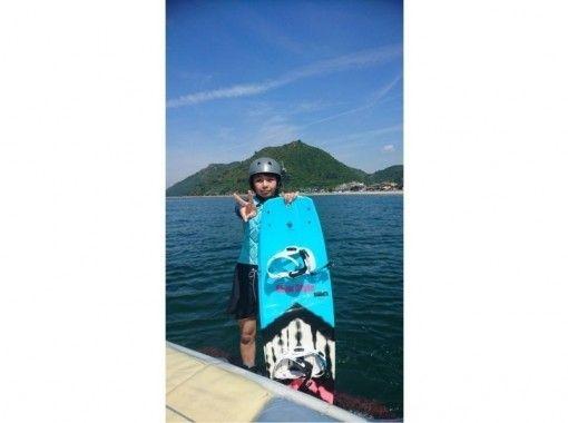 【岡山県・倉敷市・児島】やってみよう ♪ ウェイクボード体験コース(15分・1本)