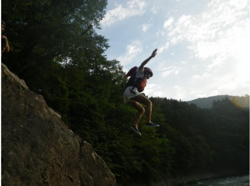 4歳から★東京なのに綺麗な川★奥多摩で爽快ラフティング!の紹介画像