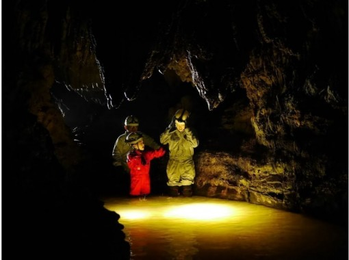 【沖繩·西表島】皮划艇和探洞(洞穴探險)の紹介画像
