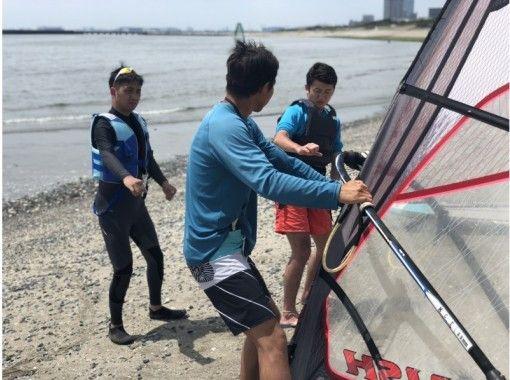 【千葉・検見川浜】風をつかんでさらに上達しよう!ウインドサーフィン初級スクール(オールレンタル★)