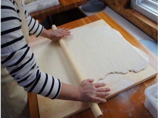 【야마나시 · 가와구치] 가족 · 연인 · 친구와 함께! 깨끗한 교실에서 몸속에서 あたまろ입니다! 본격 호토 수타 체험の紹介画像