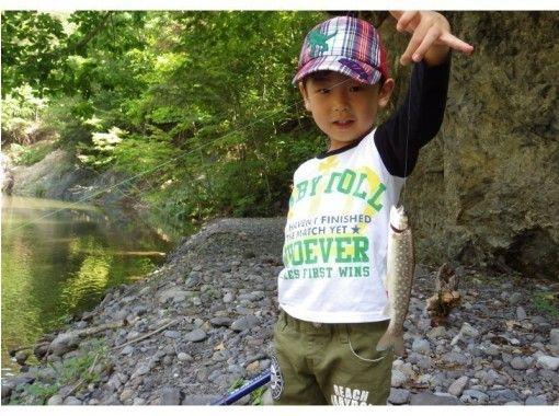 【北海道・富良野】お得に1日たっぷり遊べる昆虫採取&釣り入門!1組様限定で安心