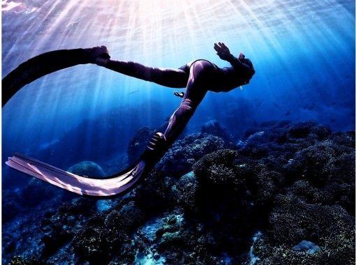 【沖縄・宮古島】神秘スポット海ツアー(中級)