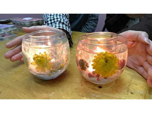 """[Aichi / Nagoya Station 5 minutes] Experience healing with transparent candles """"Making gel candles"""" There are 300 kinds of flowers to put in.の紹介画像"""