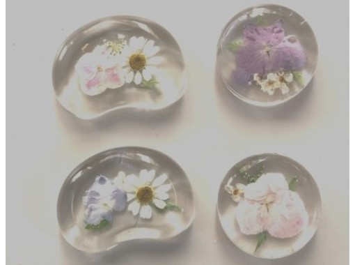 """[Tokyo Fujimidai] Let's make a craft experience """"pressed flower chopstick rest"""" with flowers and resin! 2 minute walk from Fujimidai Station!の紹介画像"""