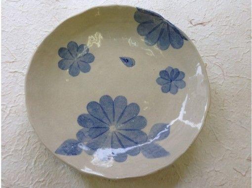 【東京・目黒】伝統的な装飾に挑戦!美しい青が広がる和紙染め体験