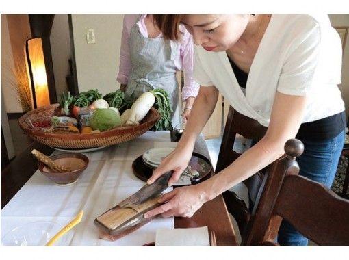 【神奈川・茅ケ崎】海と山に囲まれたリゾート茅ヶ崎の自宅で、オーガニックソムリエと一緒に和食づくり