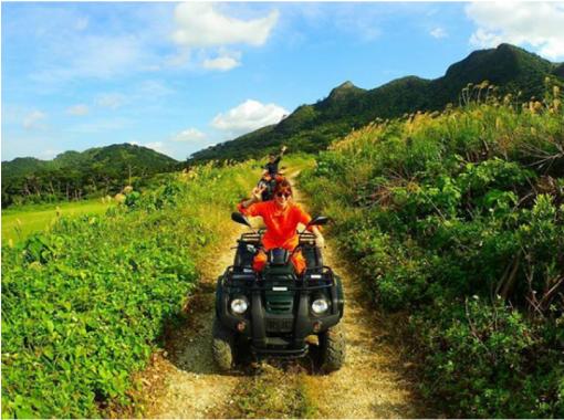 【沖縄・石垣島】海だけじゃない!南の島のんびりバギーツアー(要普通免許・120分)