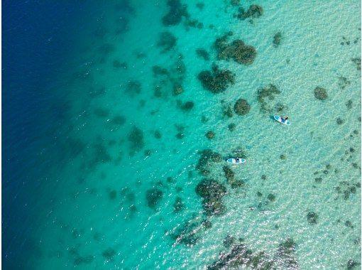 [石垣島/1st]如果迷路了,就是這樣!川平灣 SUor 皮划艇 & 藍洞浮潛 2 大景點征服計劃 [照片數據免費]の紹介画像