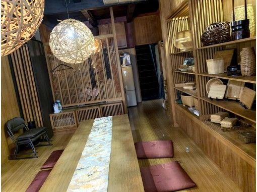 [Kyoto Karasuma Oike] Regional Use a coupon available! Making decorative sushi at a 140-Year old Kyomachiya (1 type)の紹介画像