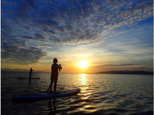 [Ishigaki Island / Evening] ⑪ Wrapped in the madder-colored sunset ... Selectable Sunset SUPor Canoe Tour [Photo data free]の紹介画像