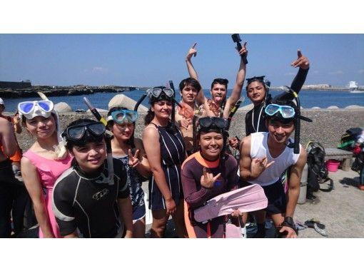 『水中世界を覗いてみよう!!本格的スノーケリングプログラム!!家族やカップル、お友達と!