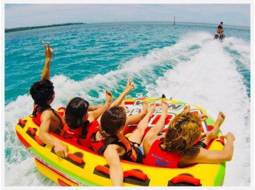 ⦅大人気⦆絶叫ウォータートイ&ボートで青の洞窟シュノーケル【アクセス便利 まるごと恩納村開催】