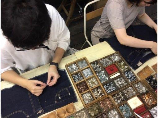 東京でおすすめ!雨の日デート7位:デニム・ジーンズ作り体験