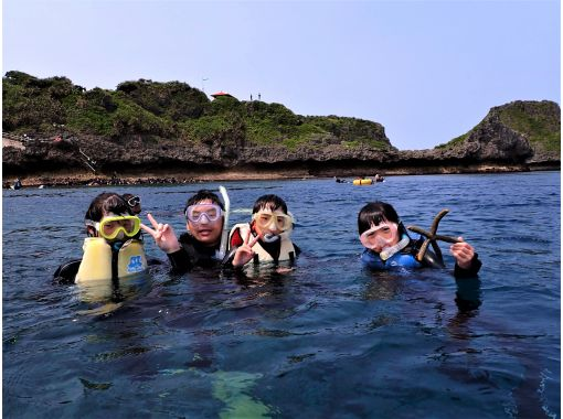 Same-day reservation is OK! Blue Cave Snorkel [Okinawa / Cape Maeda] GoPro Photographing & Feeding Free English Guide Available!の紹介画像