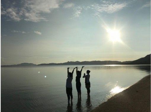 【沖縄・石垣島】サンライズヨガ 静かなビーチでリラックス 写真プレゼント!