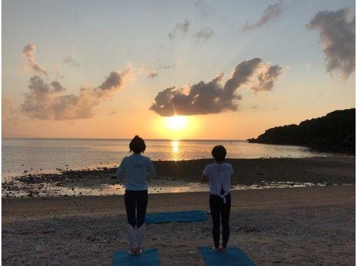 【沖縄・石垣島】1組貸切 サンセットビーチヨガ 静かな海辺でリラックス 地域共通クーポン利用可能プラン