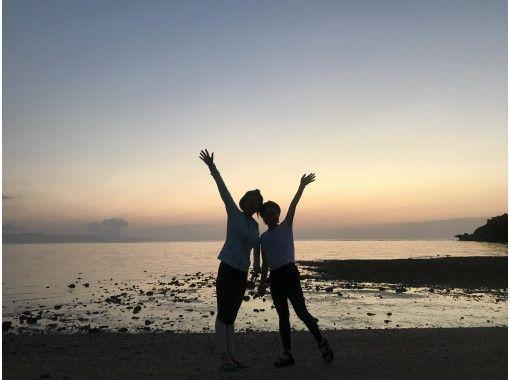 【沖縄・石垣島】1組貸切完全プライベート制! サンセットヨガ 静かな海辺でリラックス