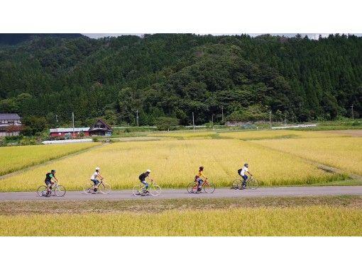 クロスバイクで行く!風を感じるサイクリングツアー