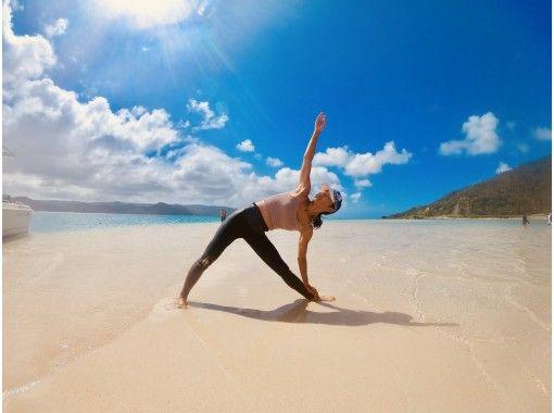 奄美大島で素敵なヨガサーファーになろ!ビーチヨガ&体験サーフィン・初心者の方や男性も大歓迎です