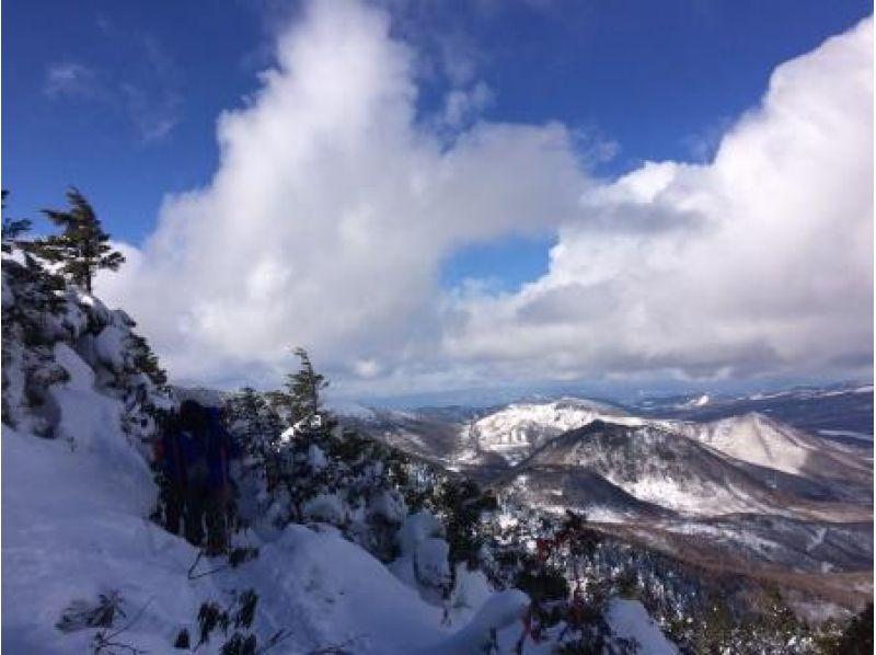【長野・高峰高原】冬の八ヶ岳・富士山を望む絶景スノーシュー!水ノ塔山スノートレッキング中級者の紹介画像