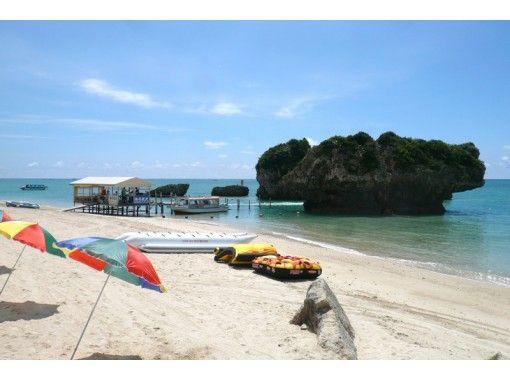 【沖縄・南城】グループの方にオススメ!!バナナボートで行くシュノーケルツアーの紹介画像