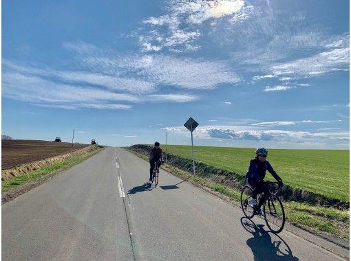 【安平町・長沼町】1日貸切・1組限定♪シーニックサイクリング&BBQ!非日常プライベートツアー送迎有