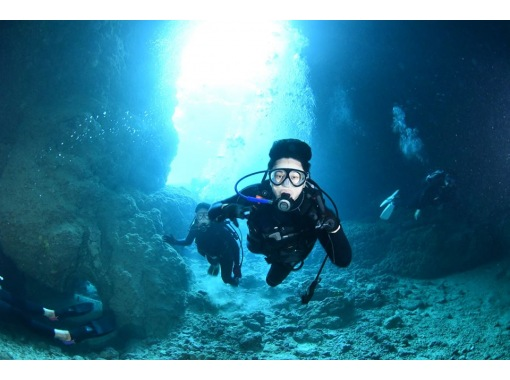 [蓝洞里的执照培训/业内唯一的个人培训]开放水域潜水员[最少1天]の紹介画像