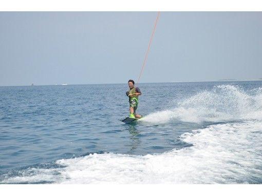 【沖縄・宜野湾】ウェイクボード体験★ジェットボートorジェットスキー