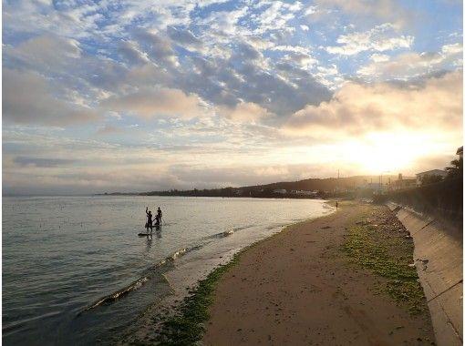 【沖縄・読谷】エメラルドグリーンの海で初めてのSUPにチャレンジ!!SUP体験コースの紹介画像