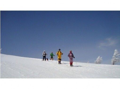 【長野・浅間山】アルプス・八ヶ岳・富士山を望む雲上の大パノラマ!高峰温泉周遊スノーシュートレッキング