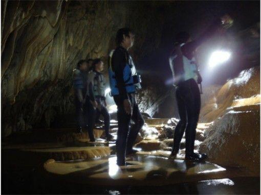 【沖縄・宮古島】パワースポット「パンプキンホール」♪ 鍾乳洞探検ツアー