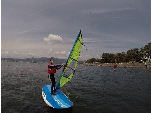 【静岡・清水】風を受けて進む魅力を気軽に体験!ウィンドサーフィン半日レッスンプラン!7才から参加OK