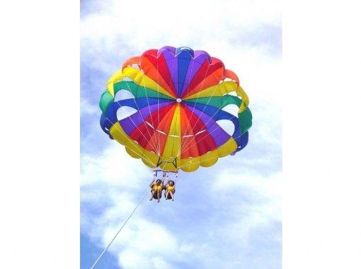 [沖繩島瀨底段沃克,大海和天空都喜歡! [滑翔傘,海行者]の紹介画像