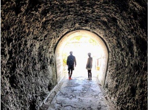 【和歌山県・白浜】白浜路地裏探検ライド!ガイドしか知らない穴場をご案内~洞窟探検も!