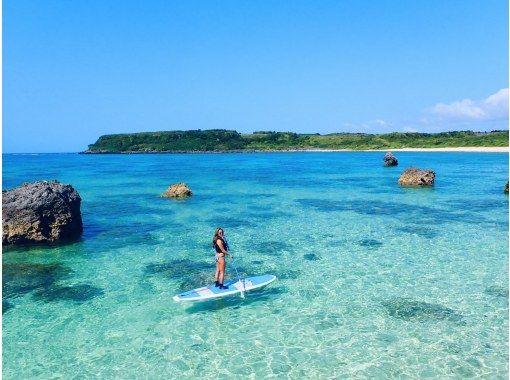 【宮古島/半天】俯瞰翡翠閃耀的宮古藍海!可選風景海灘 SU 或獨木舟 [免費照片數據]の紹介画像