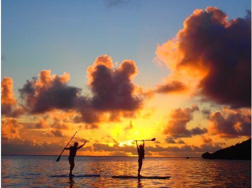 [宫古岛/晚上] ③ 被茜草色的夕阳包裹着......可选的日落SU或独木舟之旅[照片数据免费]の紹介画像