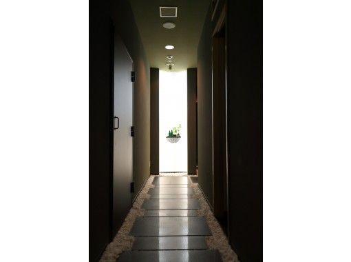 【東京・台場】【55分】SPA CEYLONオイル使用 足裏~膝 リフレクソロジーの紹介画像
