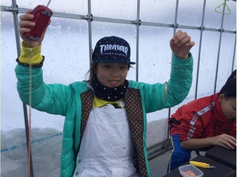 【福島・桧原湖】ワカサギ釣り体験 12:00集合!~お土産付~参加者の初チャレンジ率95%!の紹介画像