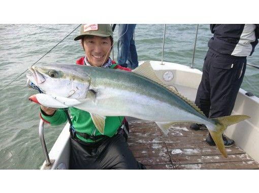 初級,女性歡迎您!藍色商品(Buri,Warasa,Inada,大鯖魚)特許船!您還可以介紹可以吃魚的商店の紹介画像