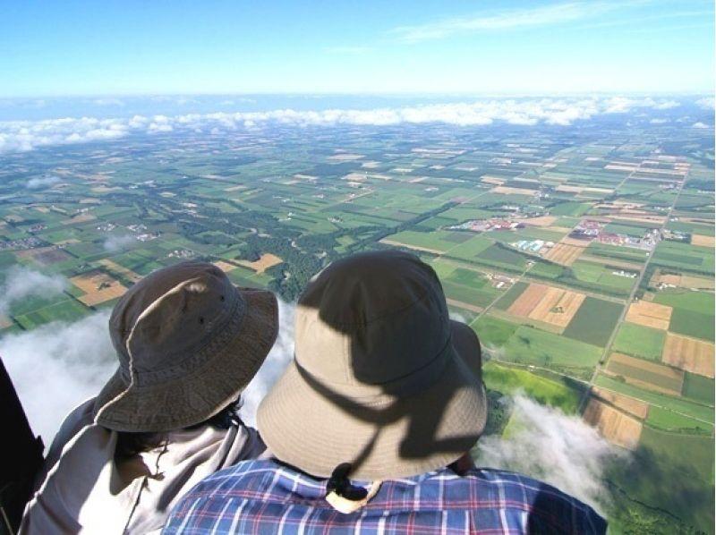 【北海道・十勝】十勝平野を空中散歩!熱気球フリーフライト体験の紹介画像