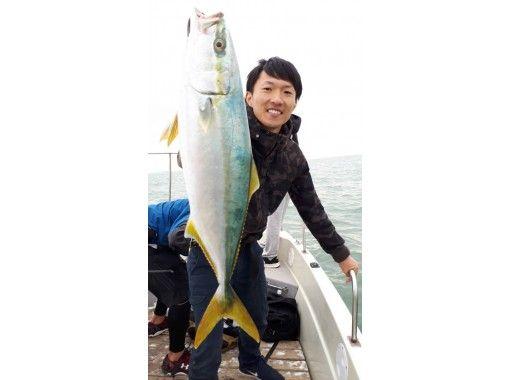 歡迎初學者和女性!藍色商品(武里,原瀨,稻田,大鯖魚)您也可以介紹商店,在那裡您可以吃到捕獲的魚の紹介画像