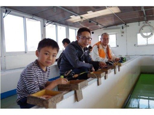 【山梨・山中湖】10名以上の団体様向け 平日限定プラン!ドーム船でワカサギ釣り(3時間)地域共通クーポン利用可!