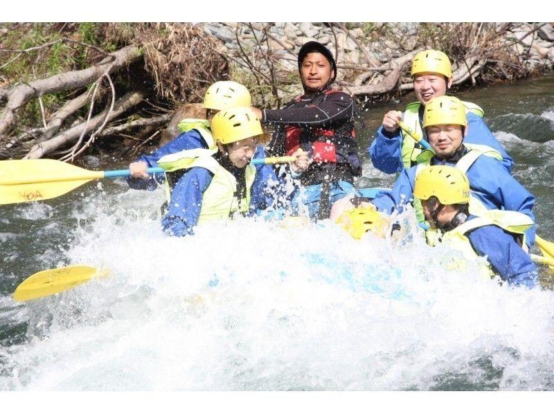 [漂流在北海道日高]日本清流,引進圖像撒入河漂流家庭半日遊