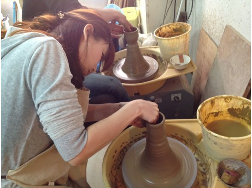 [Hyogo/ Amagasaki] 2 minutes on foot from the station! Porcelain wedding plan for the 20th Year of marriage! Ceramic art experience (6 electric potter's wheel courses)の紹介画像
